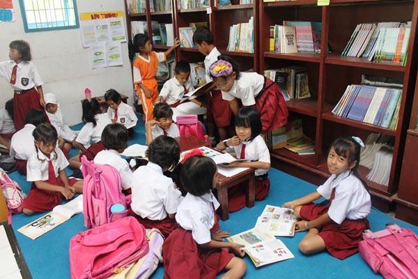 Gambar Kegiatan Anak Sekolah Dasar Menumbuhkan Minat Baca Di Sekolah Dasar